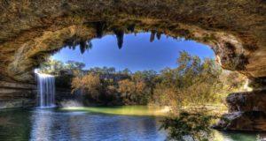Красивейшее озеро Hamilton Pool
